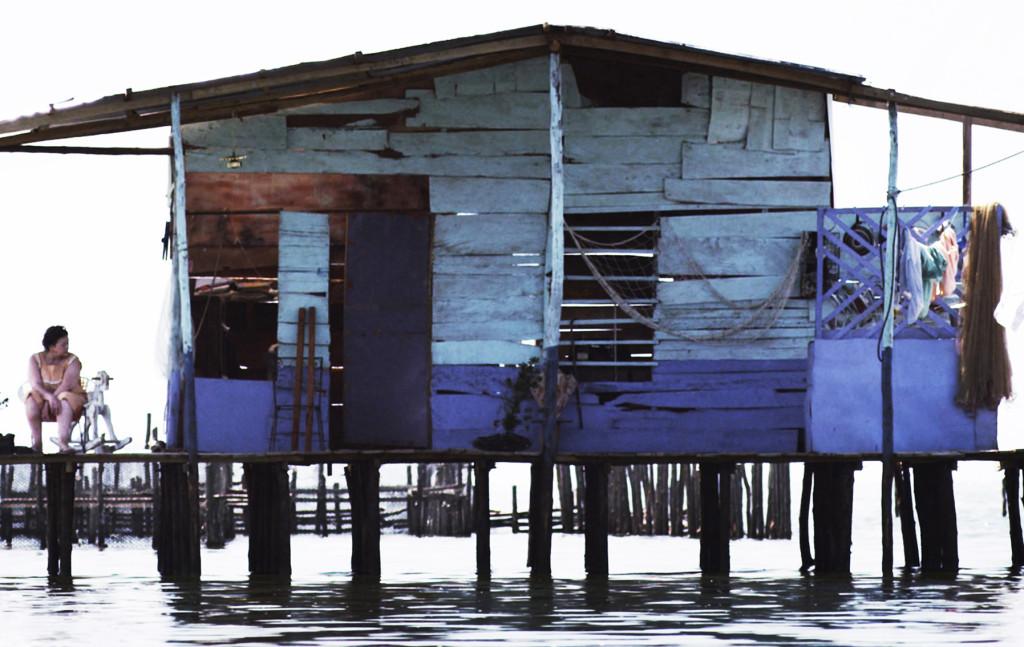 Slika iz filma Med morjem in zemljo