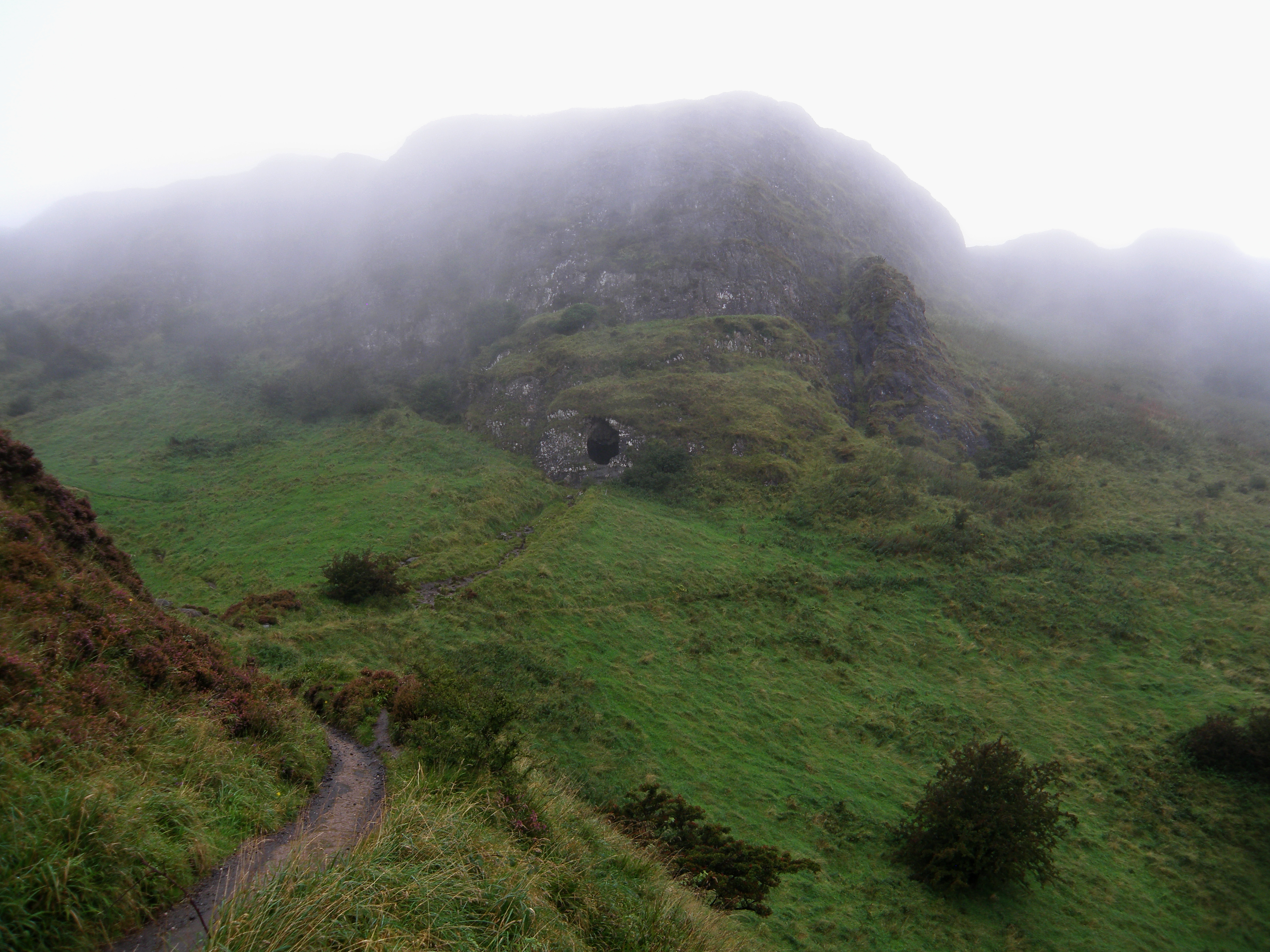 Cave Hill in čudovito irsko vreme.
