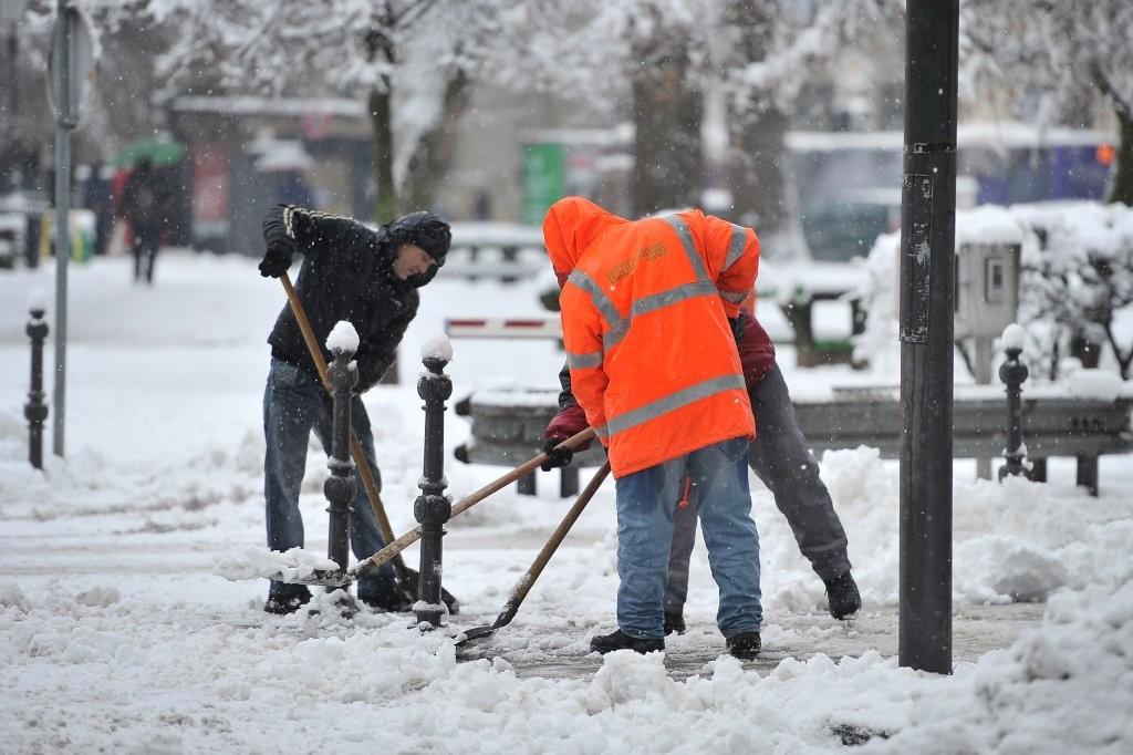 Snega je bilo več kot preveč tudi v Ljubljani.
